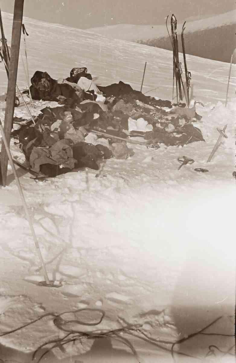 То что осталось от палатки группы Дятлова