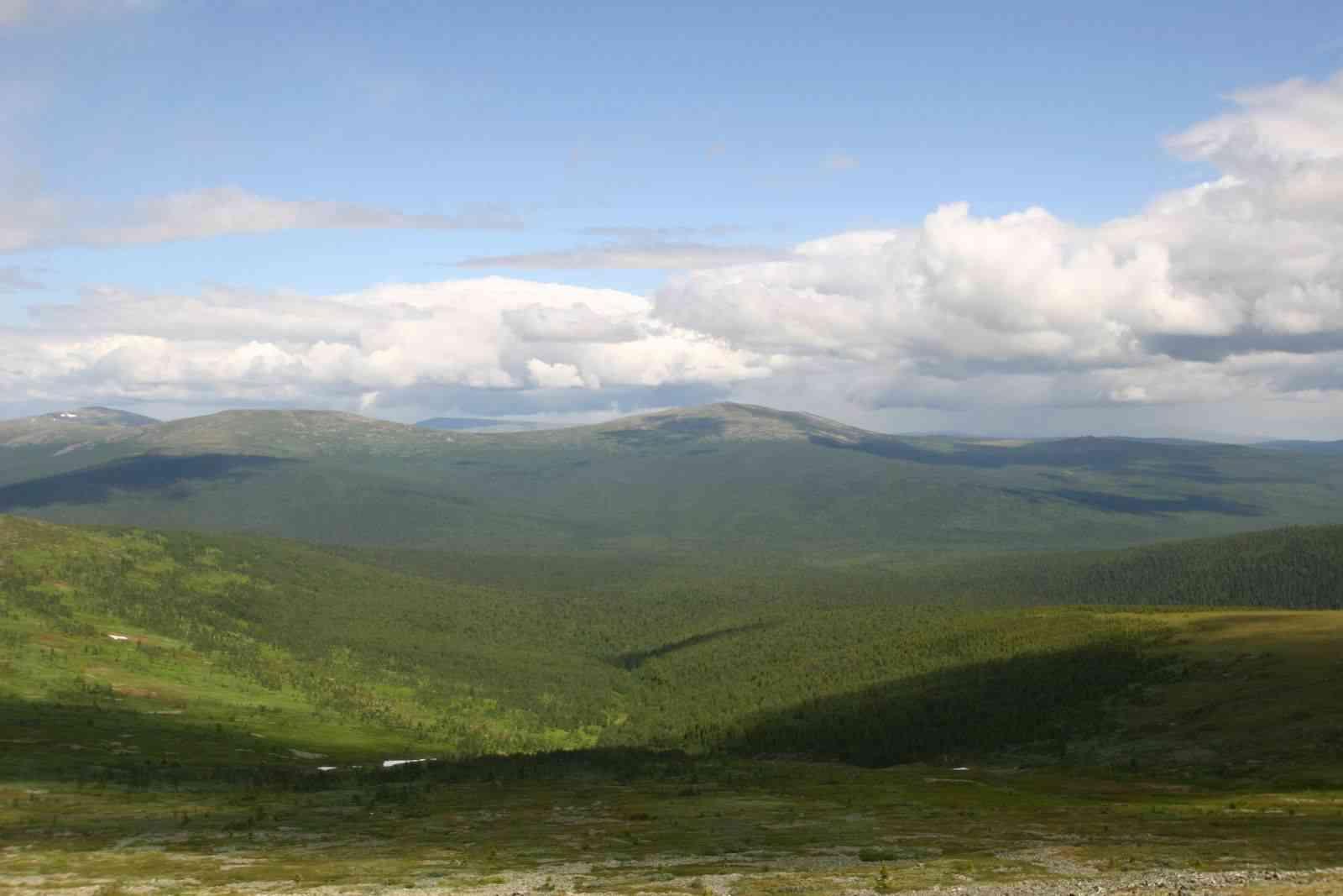Рельеф местности у горы Холатчахль