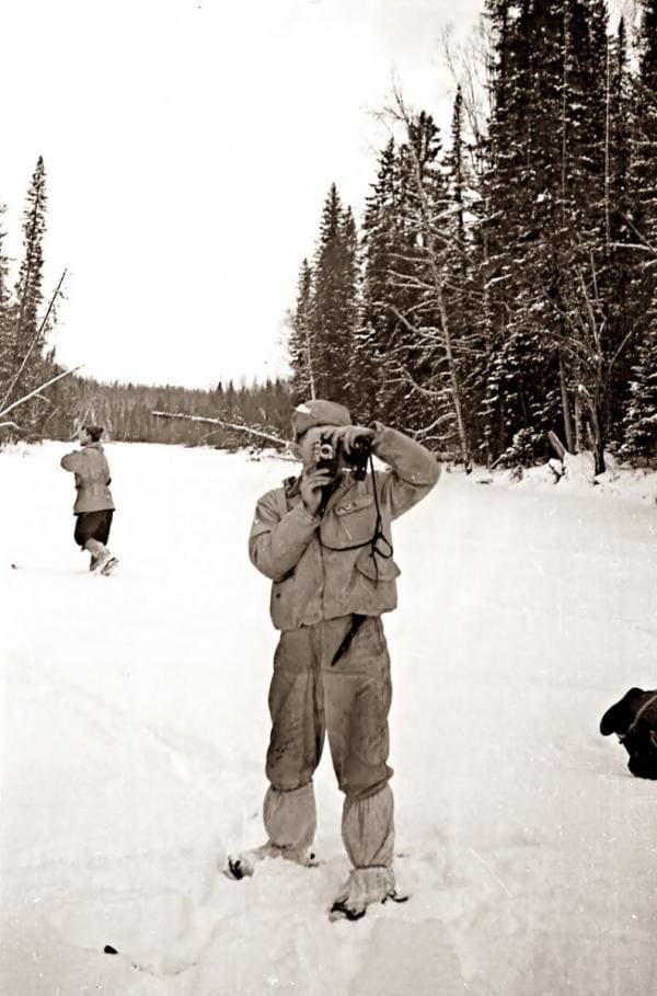 Юрий Кривонищенко с фотоаппаратом - поход