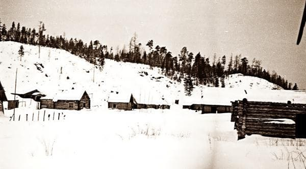 В одном из таких заброшенных домов группа Дятлова остановилась на ночлег.